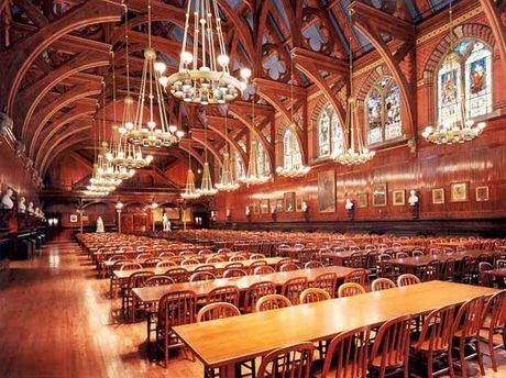 Одна из залов Гарварда
