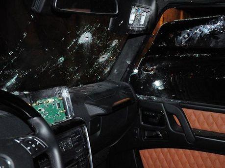 Обстрелянный автомобиль
