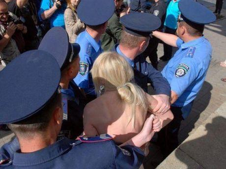 Активистка и милиция