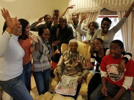 Нельсон Мандела с семьей