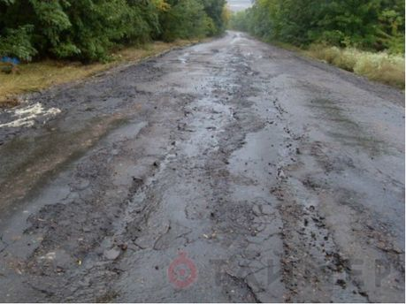 Після потопу з доріг змило асфальт