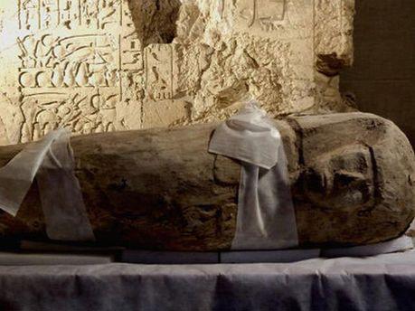 Мумія в саркофазі