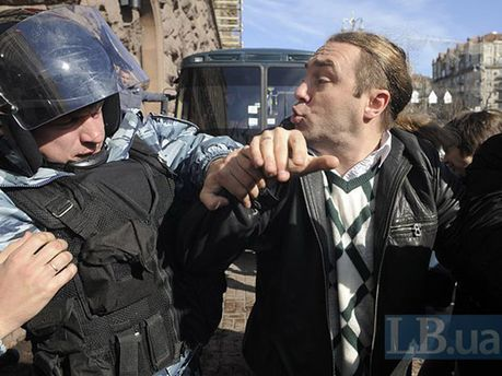 Столкновение нардепа с милиционером под КГГА