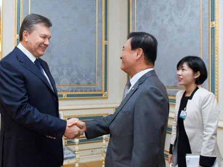 Янукович и Кан Чан Хи