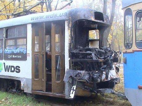 Трамвай после столкновения