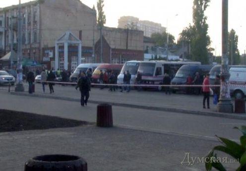 Автовокзал во время поисков взрывчатки