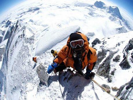 Альпіністи підкорюють Еверест