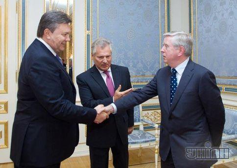 Виктор Янукович, Пэт Кокс и Александр Квасьневский