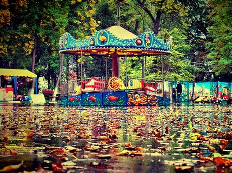 Теплый осенний дождь