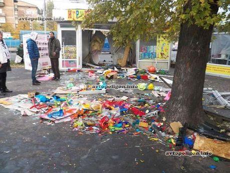 Міліціонери розтрощили крамницю