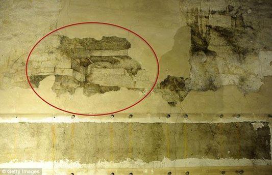 На фото обозначено часть выявленной фрески