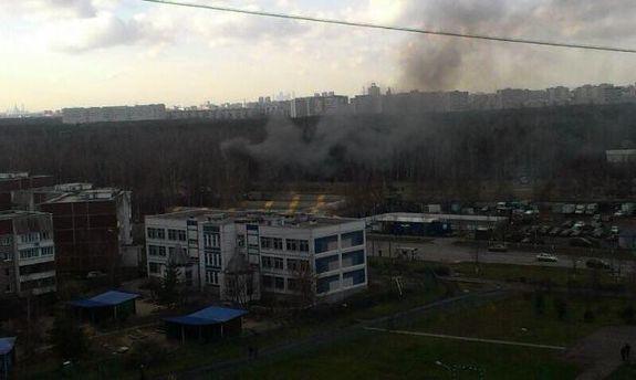 Дым после падения вертолета