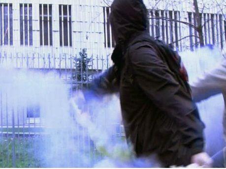 Посольство Польщі в Росії закидали фаєрами