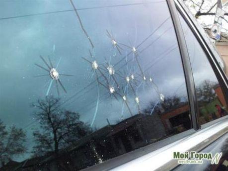 Обстреляли автомобиль