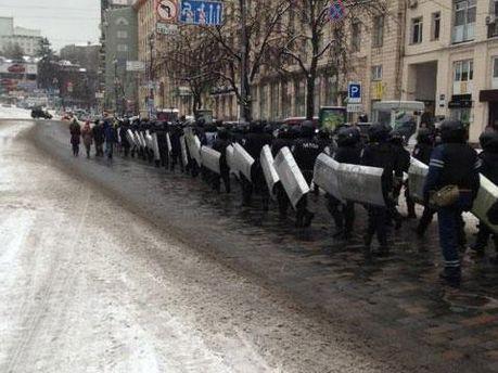 Ще півсотні правоохоронців рухаються в бік Майдану