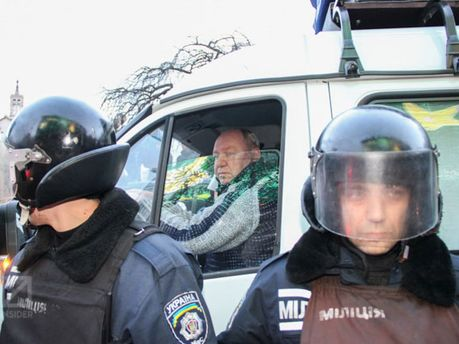 Правоохранители перекрыли Крещатик с стороны Европейской площади