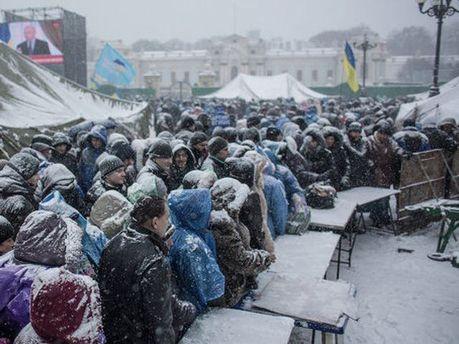 Снегопад на Майдане