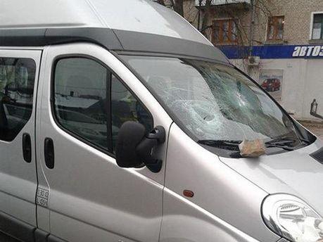 Невідомі розбили скло в машині