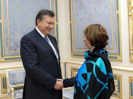 Кетрін Ештон і Віктор Янукович