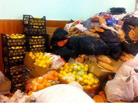 Склад продуктов для Евромайдана в Доме профсоюзов