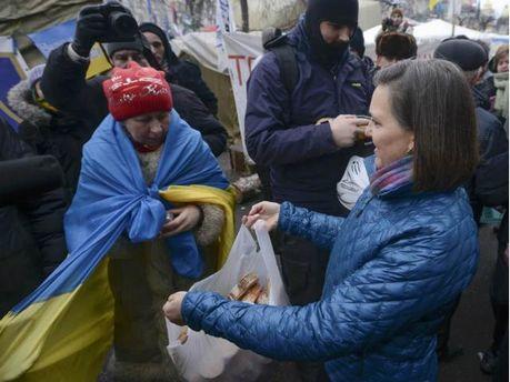 Вікторія Нуланд на Майдані