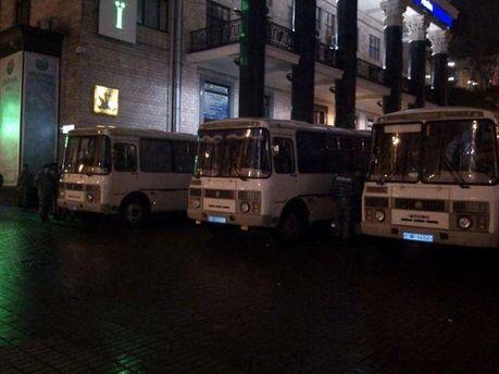 Автобусы силовиков