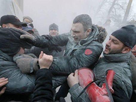 Виталий Кличко на улице Грушевского