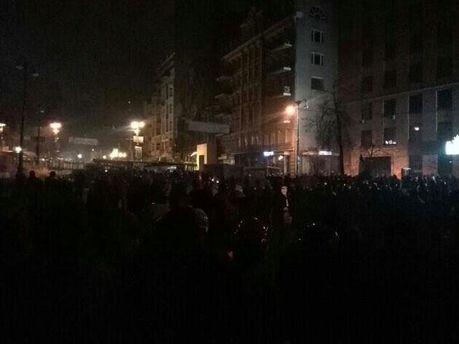 Ноч на Грушевского