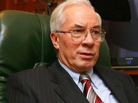 Азаров сомневается в санкциях