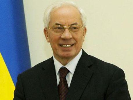 Азаров не проти відставки