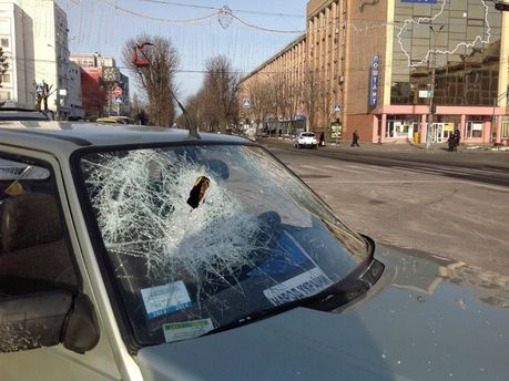 У Черкасах потрощили машини автомайданівців
