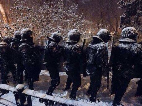 Бійці Внутрішніх військ на вул. Грушевського