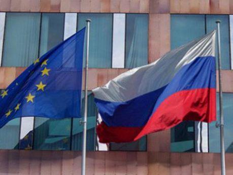 Прапори ЄС та Росії