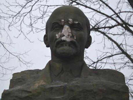 Ленін без носа