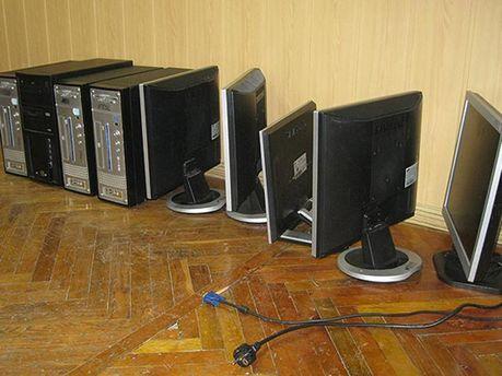 Комп'ютери, які вилучила міліція