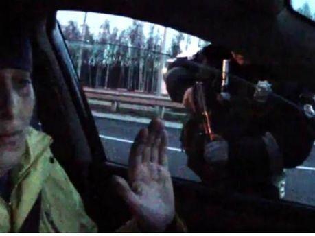 ГАИшники угрожали журналисту автоматами