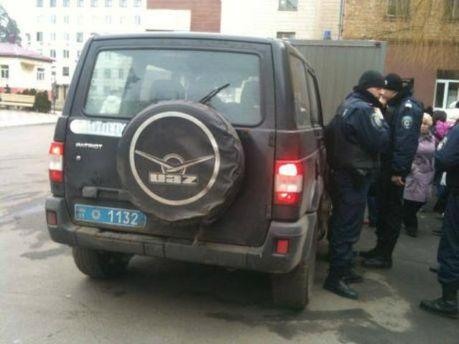 Милиция под больницей на Харьковском шоссе