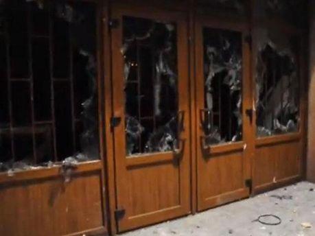 Двери Полтавской ОГА