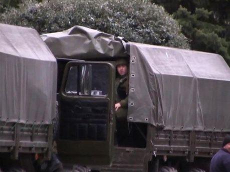 Армійська вантажівка