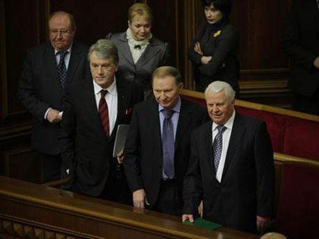 Росія вдалася до прямого втручання у політичне життя Криму, — заява екс-президентів