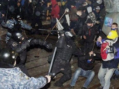 Штурм Майдана 30 ноября