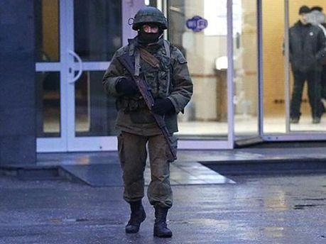 Вооруженный боец в Крыму