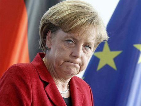 Ангела Меркель вважає рефернедум незаконним