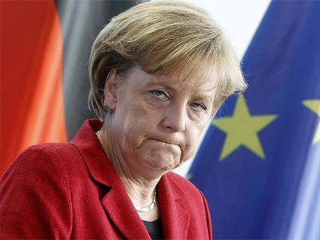Ангела Меркель считает референдум незаконным