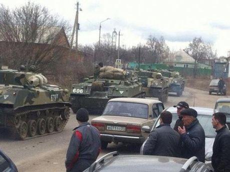 РФ свозит военную технику в Крым