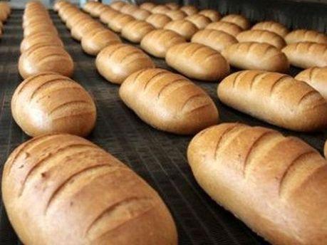 Люди скупают хлеб
