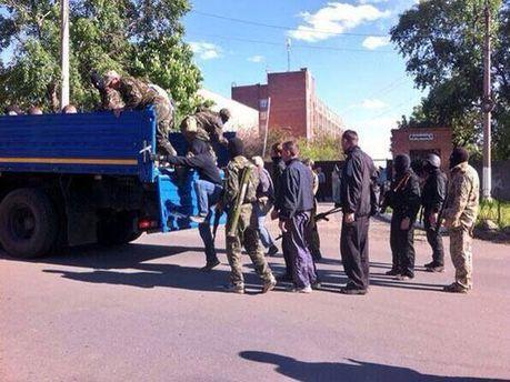 Сепаратисты покинули воинскую часть в Донецке без штурма