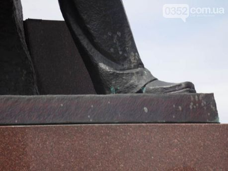 Пам'ятник Бандері у зеленці