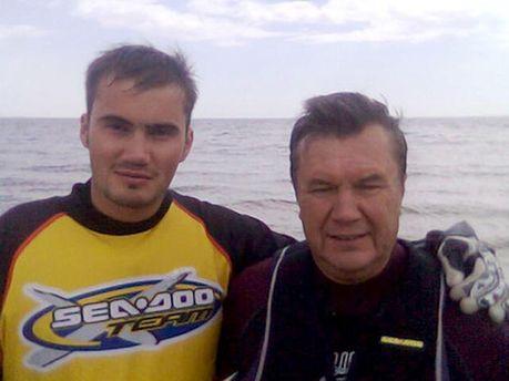 Янукович з молодшим сином