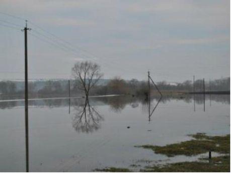 Поднялась вода в реках